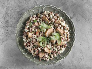 BLACK-EYED PEAS WITH SMOKED TUNA AND FENNEL